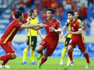 Báo Trung Quốc nói về đội tuyển Việt Nam khi được chơi trên sân nhà