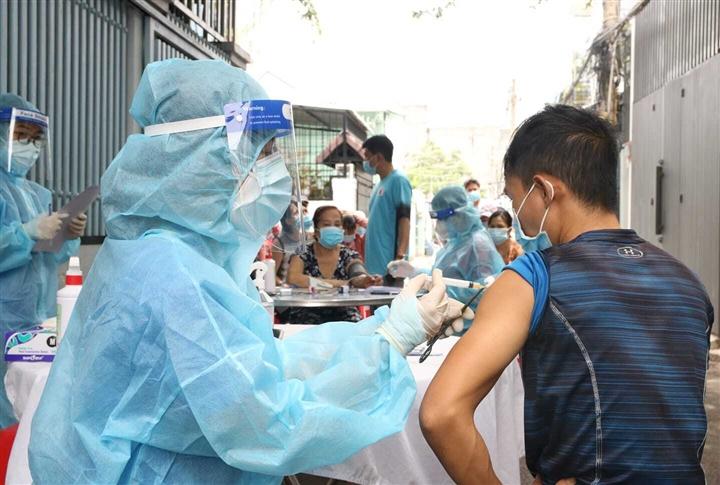 F0 không có chứng nhận khỏi bệnh cần tiêm vaccine để có thẻ xanh tại TP. HCM